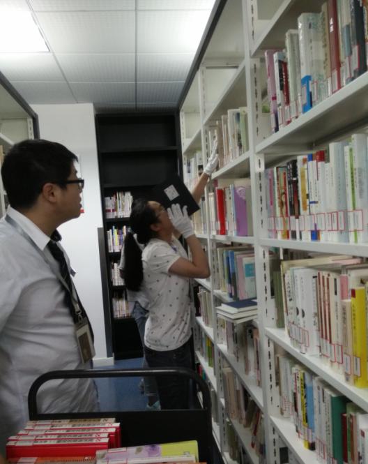 我校高一学生暑期志愿者服务系列报道之三——大场社会事务服务中心图书馆志愿者活动